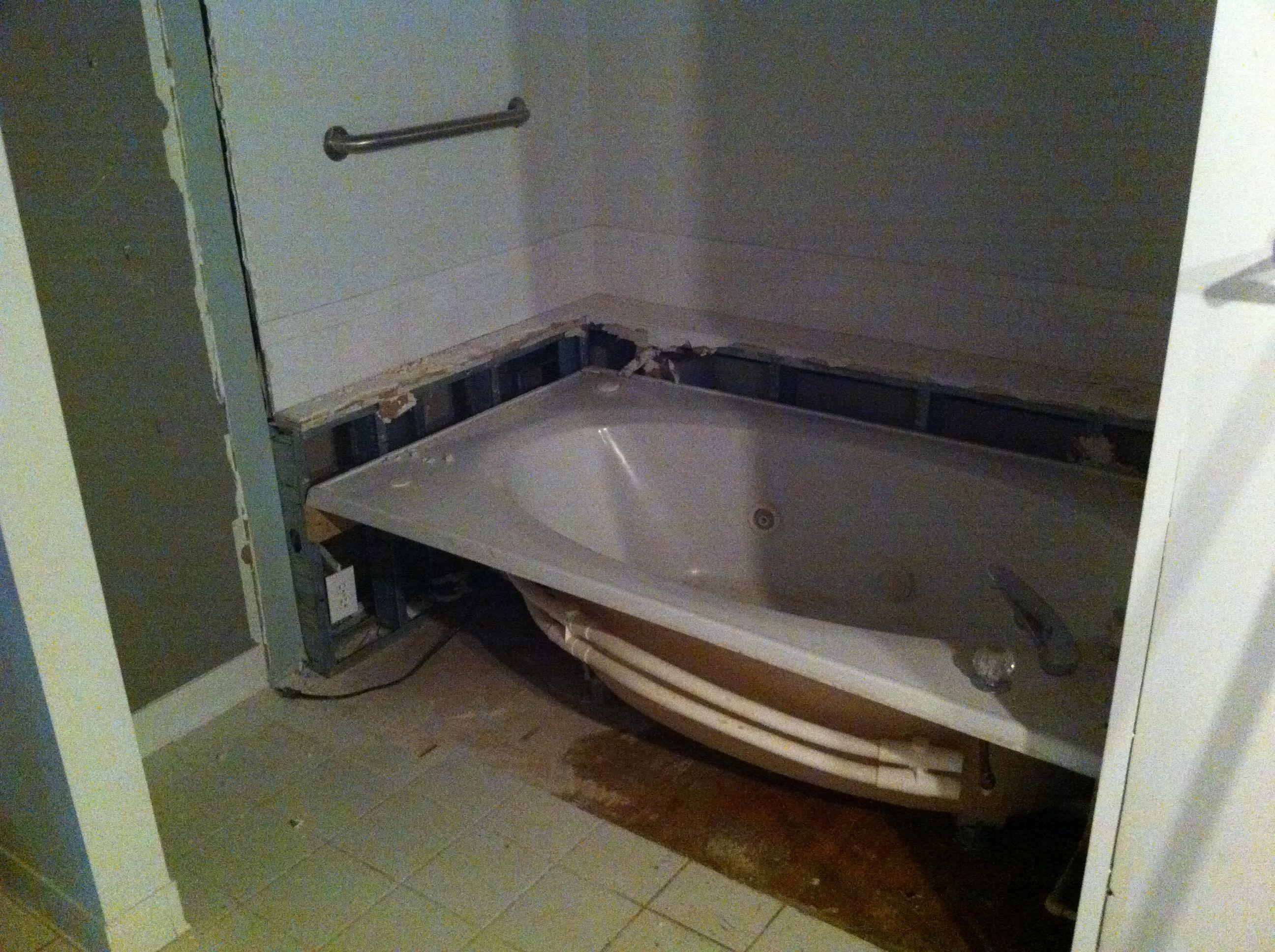affordable contractor atlanta bathroom bathtub bedroom